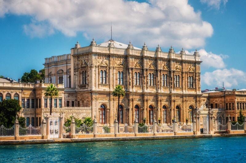 Дворец Долмабахче Стамбул