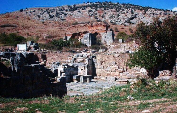 Врата Магнезии — достопримечательности Эфеса