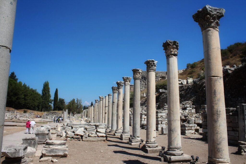 Государственная Агора в Эфесе Й